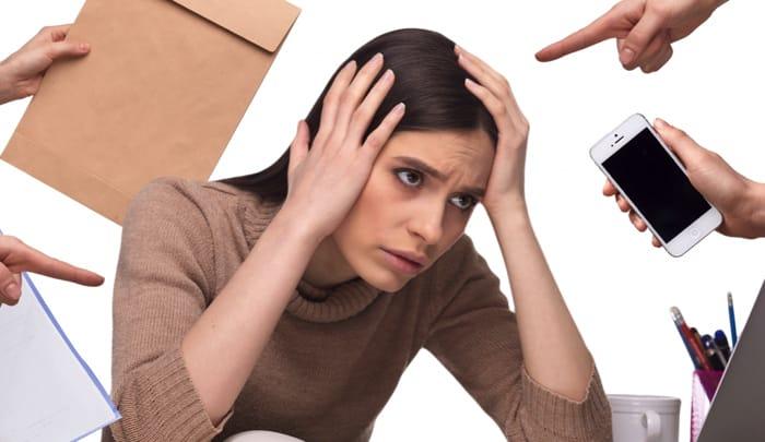 ストレスで女性の抜け毛は増える
