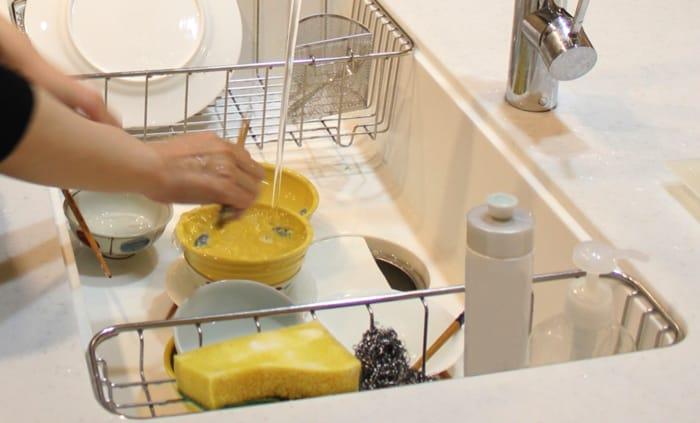 洗剤で爪が割れる